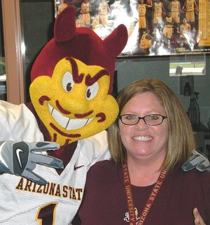 Sparky visits library
