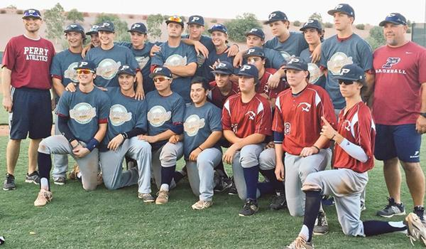 The Pumas (Chandler Cougars) pose after winning the 2015 Southwest Wood Bat Fall Classic championship on Sunday.